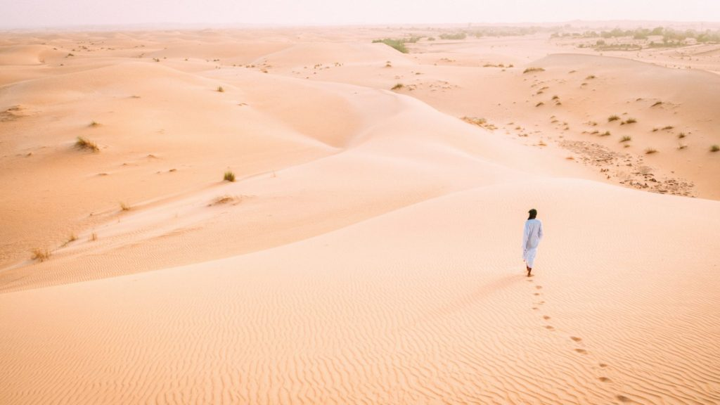 Daring Photographer Hopped Freight Trains Through the Sahara to Capture These Incredible Pictures