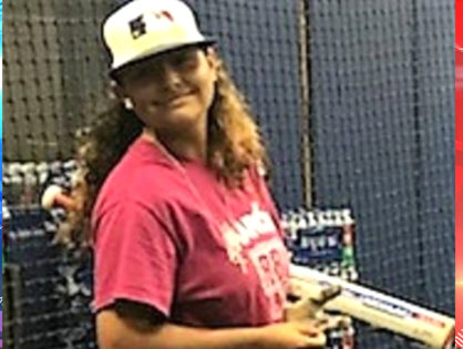 14-year-old Florida girl who throws a 78 mph fastball wins spot on baseball team